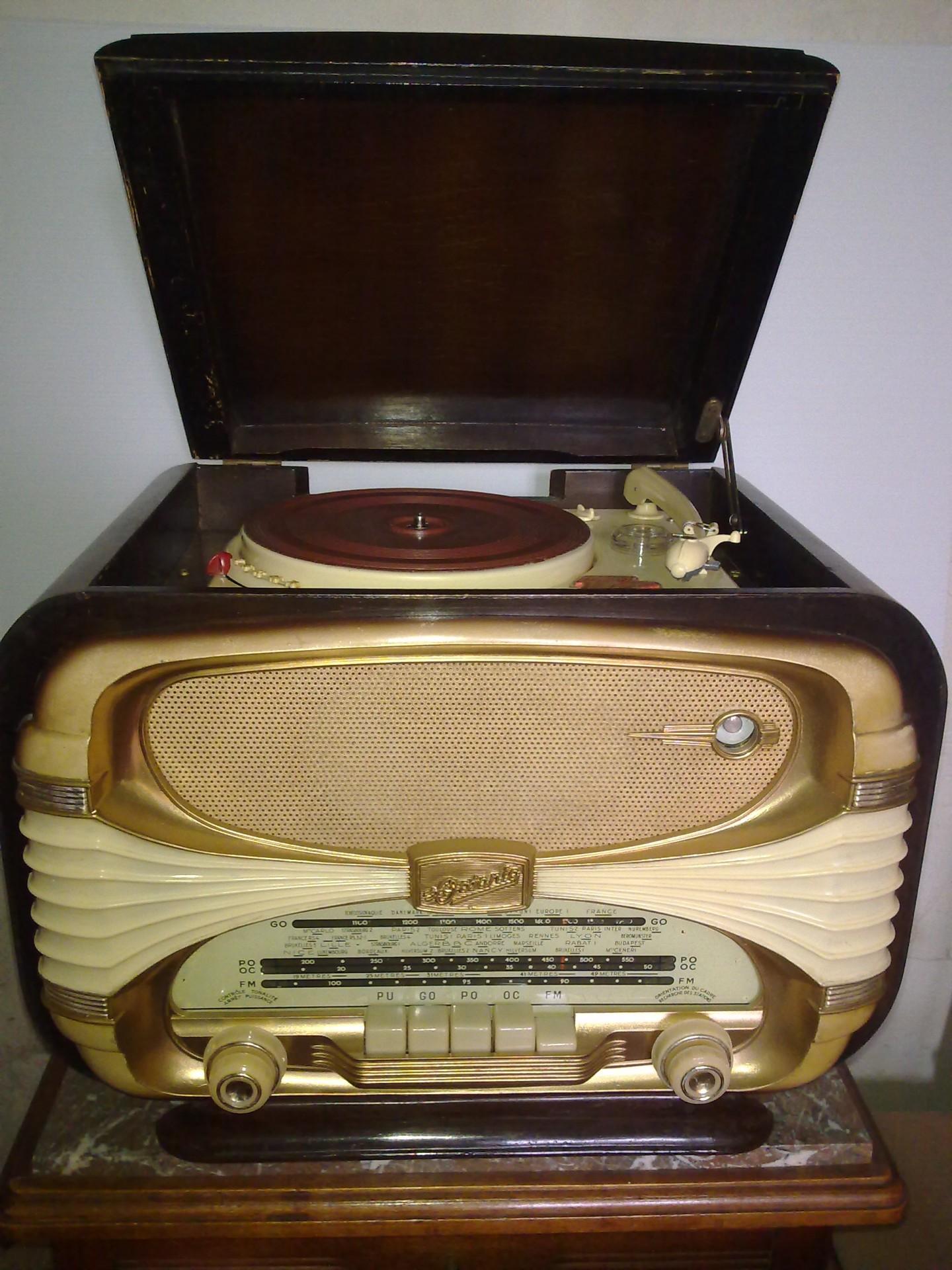 Océanic Surcouf pick-up FM 1958