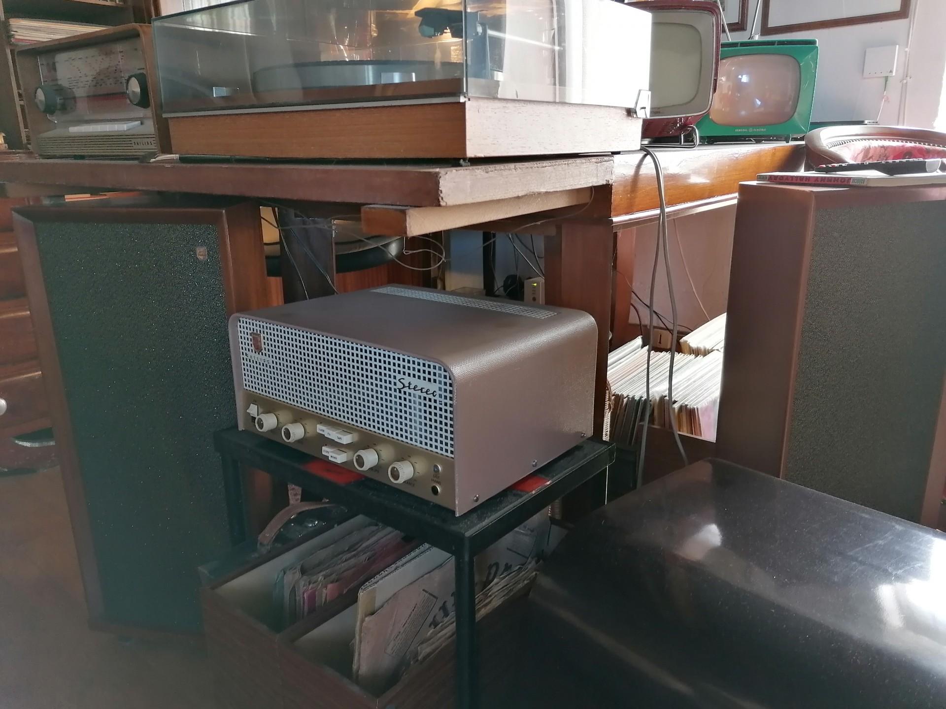 Philips AG9014 avec ses enceintes 800 Ohm